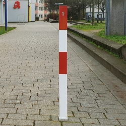 MINDER A Removable Barrier Posts (3)