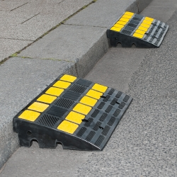 Bild TRAFFIC-LINE Kerb Ramp  (1)