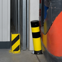 heavy duty bollards: BLACK BULL FLEX Heavy Duty Bollard