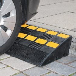 ramps, cones and site safety: TRAFFIC-LINE Kerb Ramp