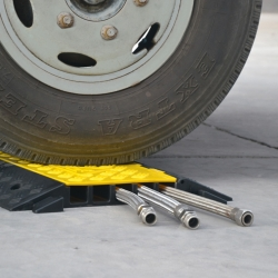 traffic-line cable and hose ramps: TRAFFIC-LINE Cable Ramp - Medium