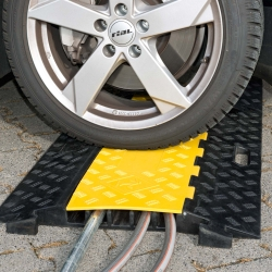 TRAFFIC-LINE Cable Ramp - Medium